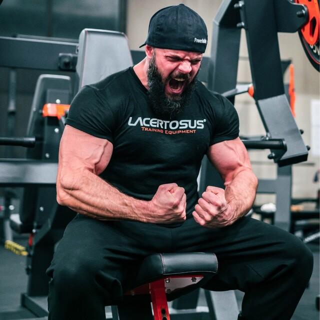 Try harder than yesterday 💪#lacertosus #lacertosusequipment #lacertosustyle #passion #motivation #quality #design #style #homegym #garagegym #homeworkout #garageworkout #gymmotivation #gym #training #palestraacasa #allenamentoacasa #hometraining #crossfit #allenamentofunzionale #crosstraining #functionaltraining #muscle #dumbellworkout #dumbell #manubri #dischi #bumper #bumpers #dannylazzarin💻Web: www.Lacertosus.com ✉Preventivi e informazioni: info@lacertosus.com 🚚Trasporti attivi in tutta Italia ed estero ➡️Taggaci nelle tue foto @lacertosus_equipment